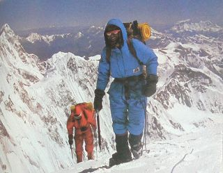 First Across the Roof of the World: the First-Ever Traverse of the Himalayas - 5,000 Kilometres from Sikkim to Pakistan